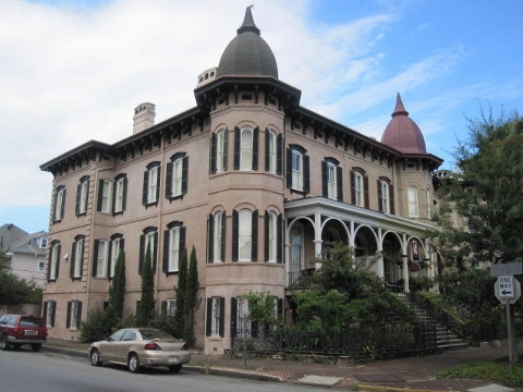 Victorian historic manshion in Savannah