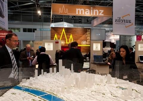 TaunusTurm in the overall Frankfurt scheme of things
