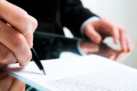 Contract signing via Fotolia