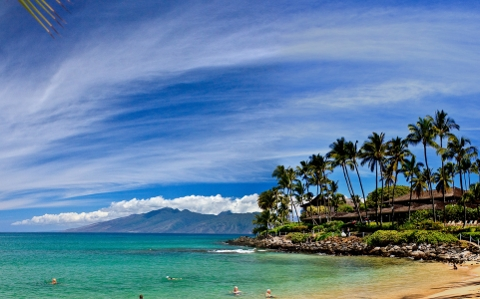 Hotels and shopping centers, in for investors in Hawaii