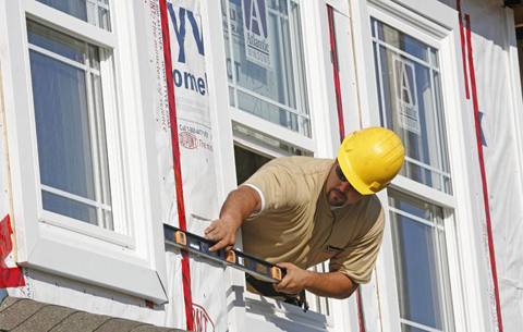 Home builders cutting back on new homes projects
