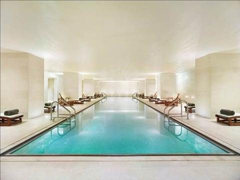 swimming pool at 20 Pines