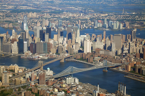 Prices of Manhattan apartments down 3.8%
