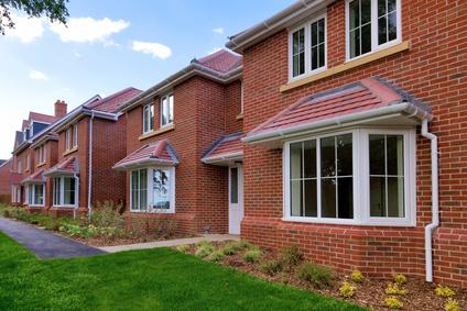 英国房屋建筑商联合会的报告显示规划许可干旱