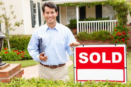 您正在市场上买卖房屋 现在正在寻找理想的房地产经纪人吗
