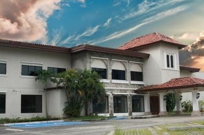 硅谷的豪宅销售在五月份达到了Stellar Heights
