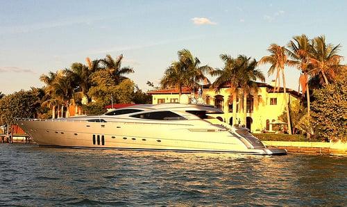 迈阿密崛起的豪华房地产市场
