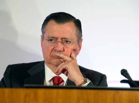 Alfredo Sáenz at the announcement