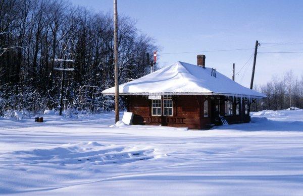 今年冬天出售房屋的10个有用提示