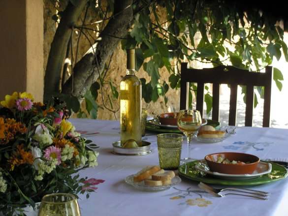 Outside dining at the villa