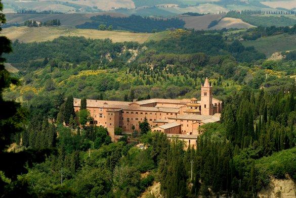 Nearby the Abbey of Monte Oliveto Maggiore - Courtesy © puckillustrations - Fotolia.com