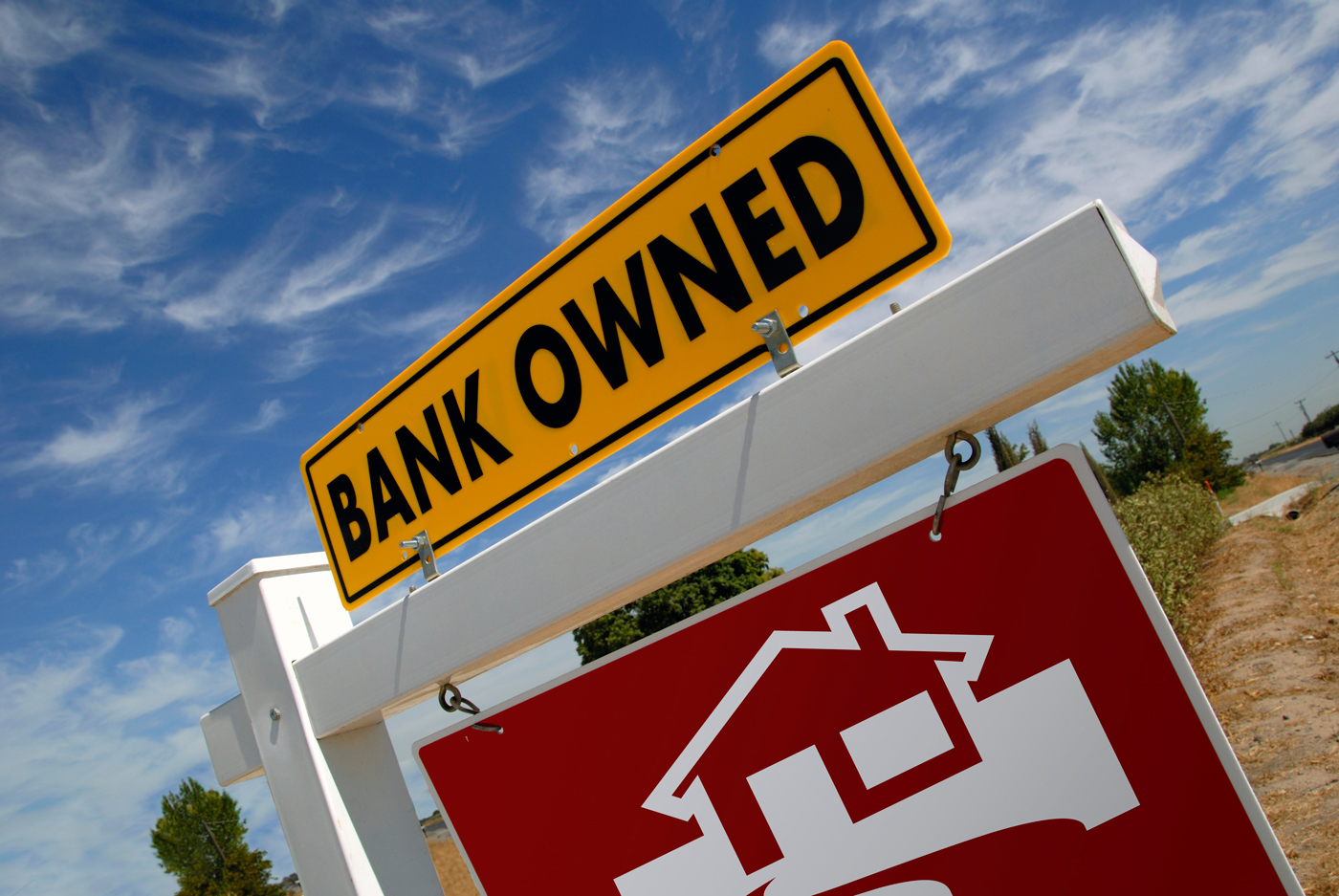 how to buy bank-owned foreclosure properties