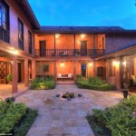 Mel Gibson lists luxury Costa Rican home