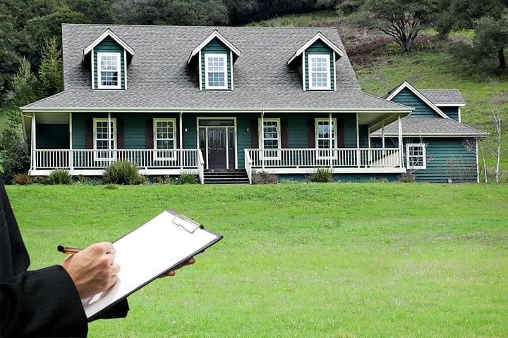 real-estate-appraiser-720