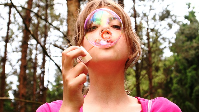 blow-bubbles-711808_640