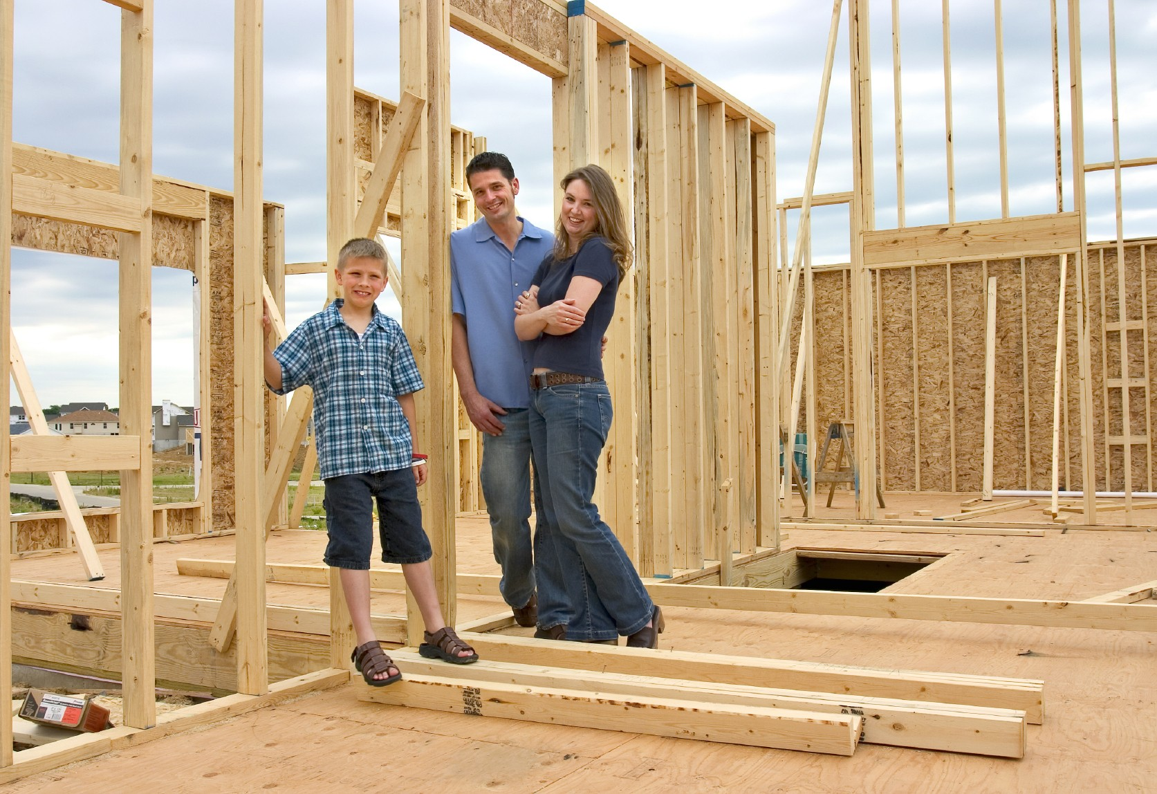 Saving for a home heres a few tips realtybiznews real for Choosing a home builder