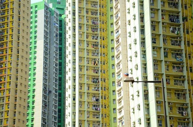 skyscrapers-379121_640