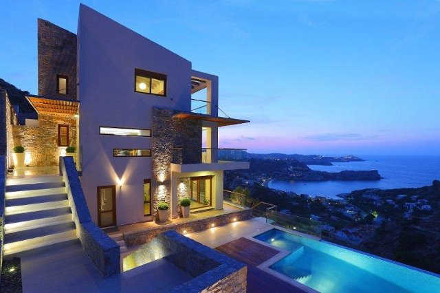 Stone villa overlooking Heraklion - via Luxury Properties