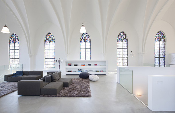 church-converted-into-a-residence-3