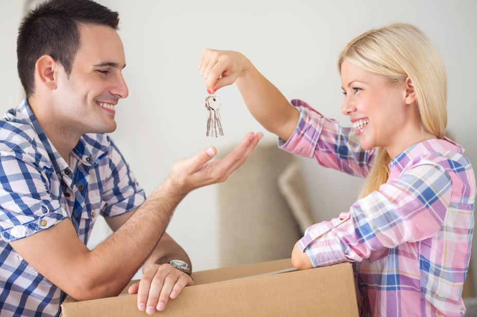 Newlyweds 5 Tips for Finding your First Home