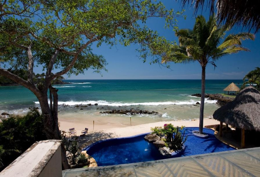 How to Look for Beachfront Property on a Budget