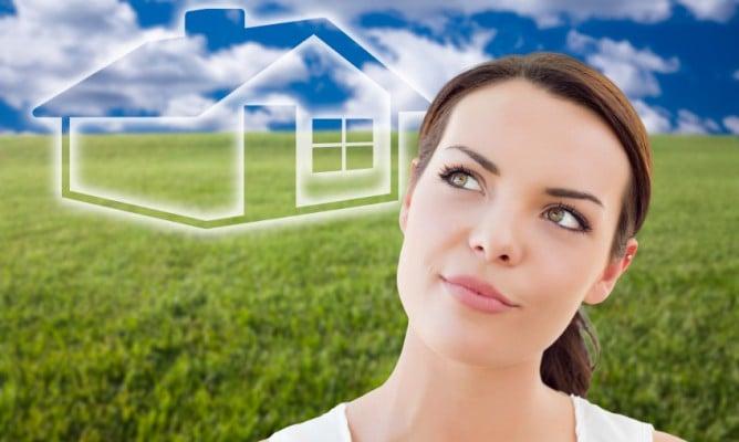 woman-virtual-house-668x400