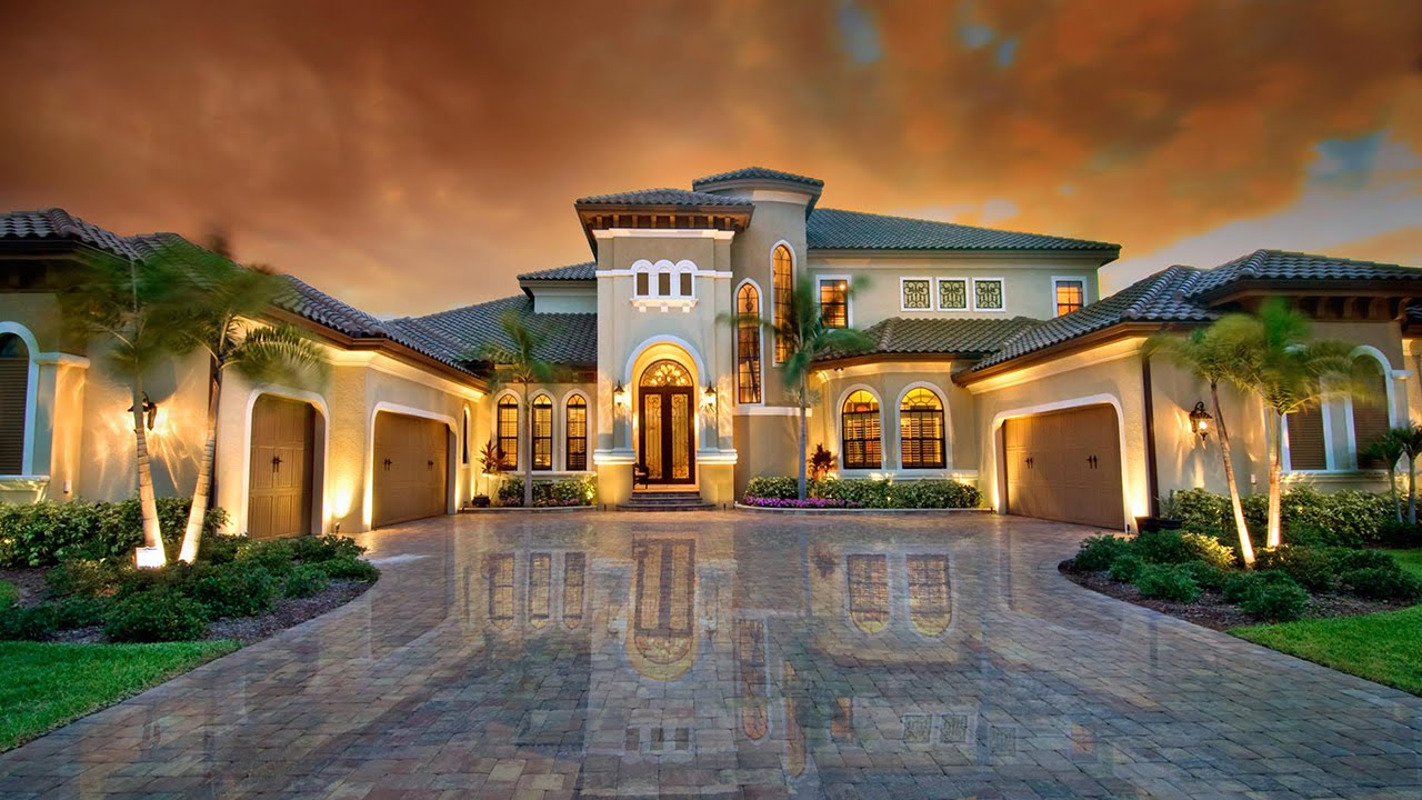 What are the advantages of hiring a luxury home builder for Luxury homes builder