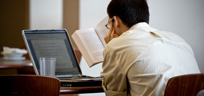 study-online-student-book-computer