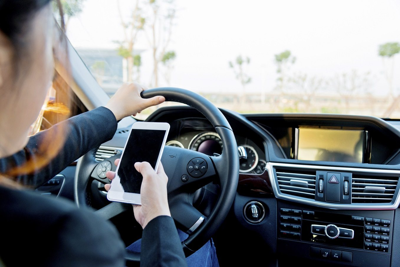distracted drivers Activities that take drivers' attention off the road, including talking or texting on  cellphones, eating, conversing with passengers and other distractions, are a  major.
