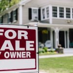 NAR: Using an agent to sell your home could bring you in an extra $60,000