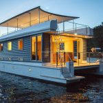 The Pros and Cons of Houseboat Living