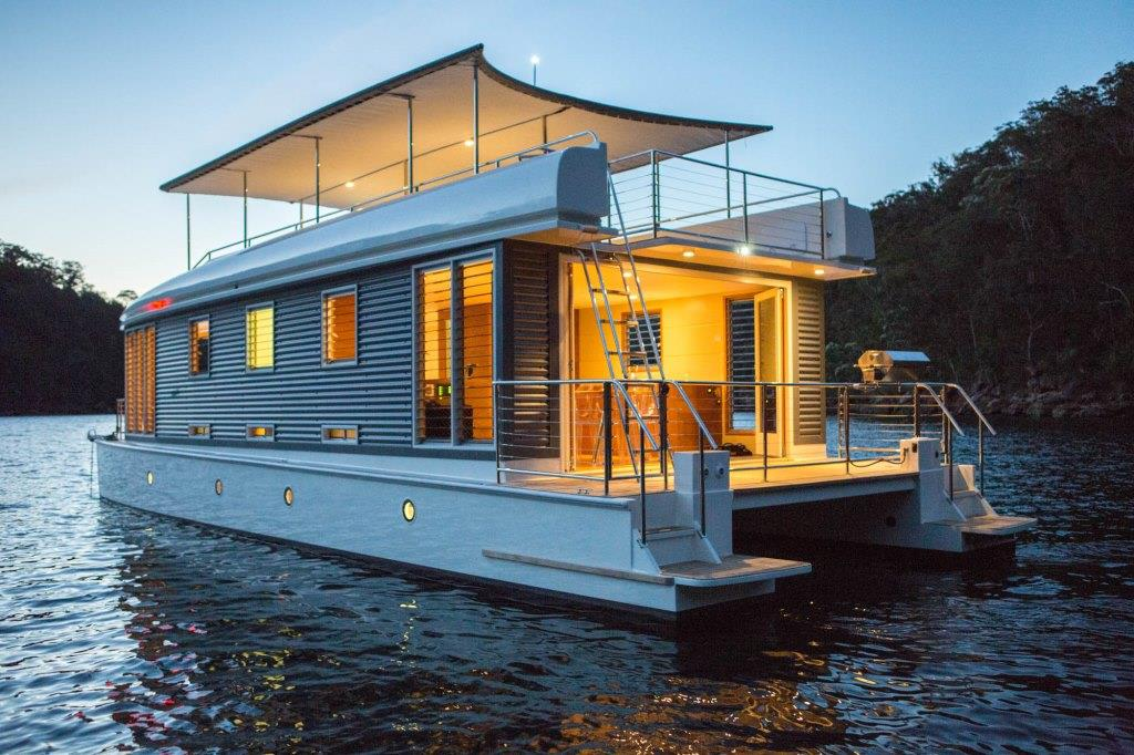 The Pros and Cons of Houseboat Living - RealtyBizNews: Real Estate News