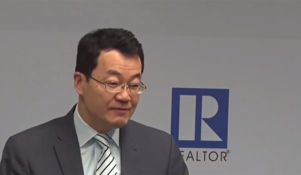 Lawrence Yun says the economy is strong, predicts stable growth in housing