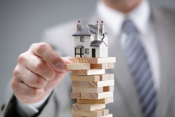 investment risk uncertainty real estate housing