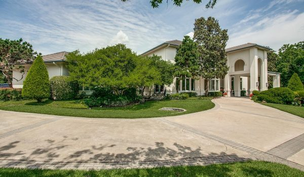 $2.2 Million Gets You Dinner With Emmitt Smith and His Great Big House
